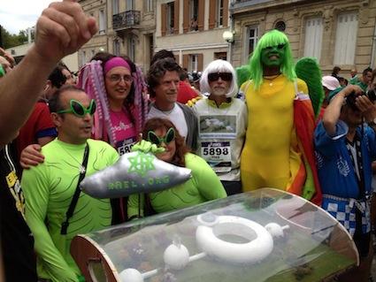 raeliens participants au marathon du medoc
