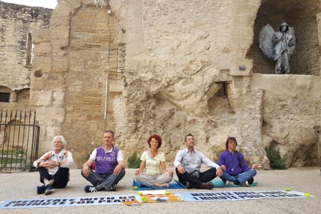 Une Minute Pour la Paix Méditer Pour la Paix, Paix, Avignon