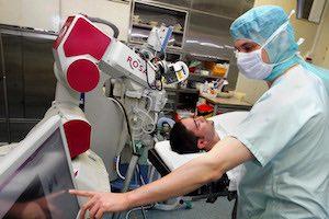 robots chirurgicaux rosa