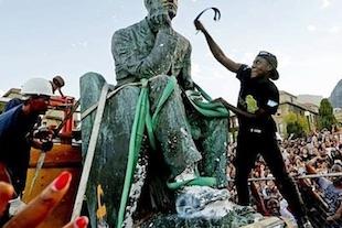 deboulonner les statues de l'époque coloniale