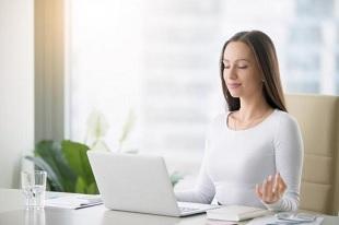 la méditation améliore l'apprentissage - Méditation et attention juste pour commetre moins d'erreurs