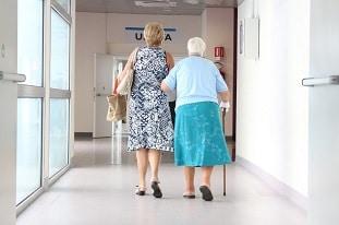 Une grand-mère italienne de 101 ans attrape 3 fois la Covid-19